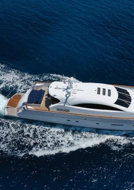 Motor yacht in high speed